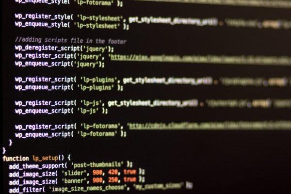 Editor mit geöffneter functions.php bereit zum Bearbeiten